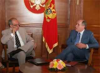 Il sottosegretario agli Affari esteri, Alfredo Mantica, con il ministro degli Esteri montenegrino, Milan Rocen