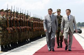 L'ex presidente musulmano-bosniaco Silajdzic con il membro serbo-bosniaco della presidenza Radmanovic