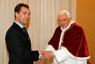 Benedetto XVI riceve il presidente russo in Vaticano