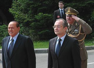 Il premier romeno, Emil Boc, e quello italiano, Silvio Berlusconi