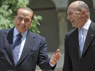 Il premier italiano, Berlusconi, e il presidente romeno, Traian Basescu