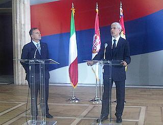Il ministro degli Esteri Franco Frattini con il presidente serbo, Boris Tadic