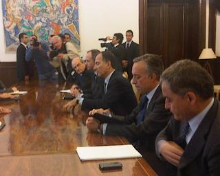 La delegazione italiana ai colloqui con il presidente Tadic