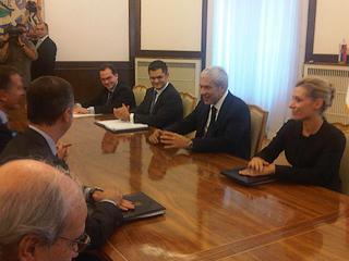 Il presidente serbo, Boris Tadic, riceve a Belgrado il ministro degli Esteri italiano, Franco Frattini