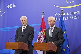 Il presidente serbo, Boris Tadic, ed il presidente del Consiglio dell'Ue, Herman Van Rompuy