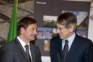 Il ministro degli Esteri sloveno, Karl Erjavec, e quello italiano, Giulio Terzi