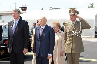 Il presidente della Republica Giorgio Napolitano all'aeroporto di Lubiana