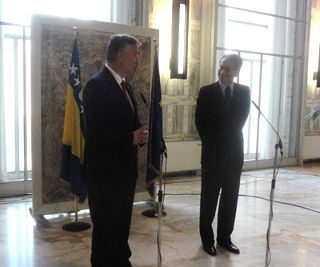 Il ministro degli Esteri bostiaco Lagumdzija con il suo omologo Giulio Terzi