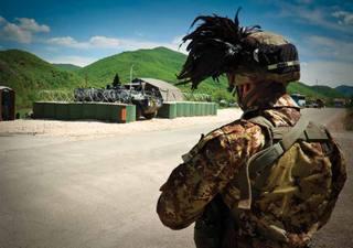 Bersagliere in servizio presso la  Kosovo Force della Nato