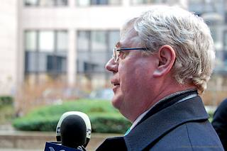 Il ministro degli Esteri irlandese, Eamon Gilmore, presidente di turno del Consiglio Ue