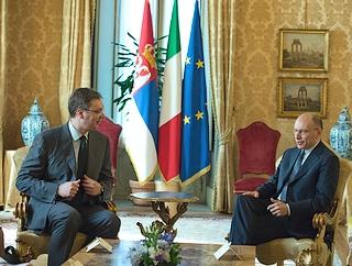 Il vicepremier serbo, Aleksandar Vucic, con il primo ministro italiano, Enrico Letta