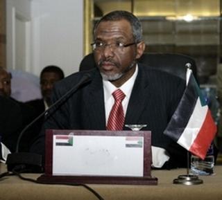 Il ministro dell'Elettricità e delle risorse idriche sudanese, Muataz Musa Abdalla Salim