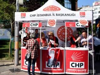 Uno stand elettorale del Chp a Istanbul