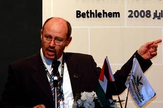 Il ministro dell'Economia dell'Anp, Hassan Abu-Libdeh