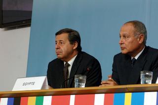 Il ministro del Commercio estero egiziano, Rachid Mohamed Rachid (a sinistra)