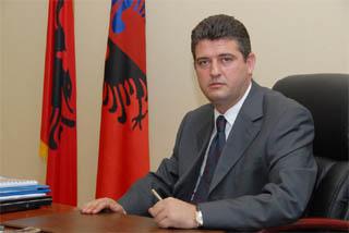 IIl ministro dei Trasporti albanese, Sokol Olldashi