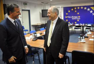 Il ministro degli Esteri, Franco Frattini, con l'Alto rappresentante per la Bosnia Erzegovina, Valentin Inzko