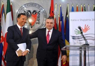 Il ministro Frattini con il vice premier e ministro degli Esteri albanese, Ilir Meta