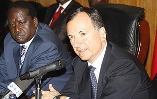 Il ministro degli Esteri, Franco Frattini, e il primo ministro del Kenya, Raila Odinga