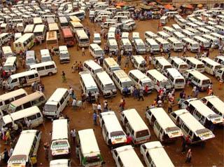 La stazione degli autobus a Kampala