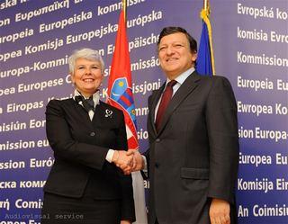Il presidente della Commissione europea, José Manuel Barroso, con la premier croata, Jadranka Kosor