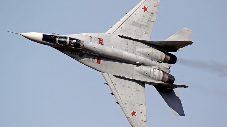 Aerei da caccia russi scortano velivoli da ricognizione statunitensi sul Mar Nero