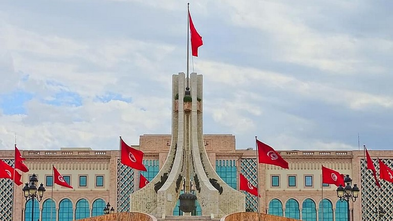 Tunisia: il governo Mechichi ottiene la fiducia con 134 voti a favore e 67 contrari