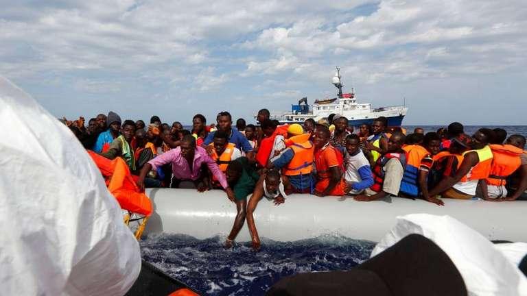 """Migranti, Regno Unito: """"I nuovi flussi migratori attraverso la Manica sono inaccettabili"""""""